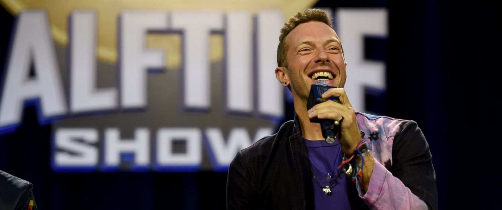 PHOTO: Chris Martin of Coldplay speaks at the Pepsi Super Bowl Halftime Press Conference on Feb. 4, 2016 at the Moscone Convention Center in San Francisco.