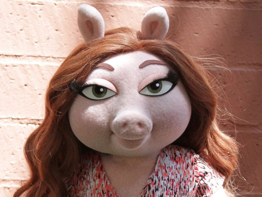 PHOTO: Denise the pig on the season premiere of The Muppets, on the ABC Television Network on Sept. 22, 2016.