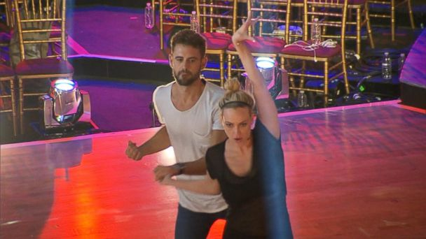 PHOTO: Nick Viall and Peta Murgatroyd rehearse for the premiere of