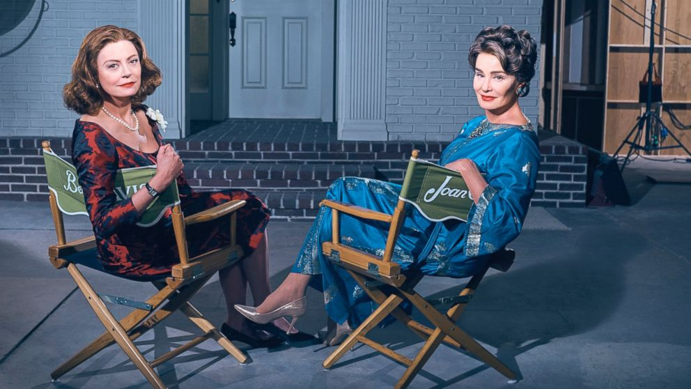 PHOTO: Susan Sarandon as Bette Davis and Jessica Lange as Joan Crawford in