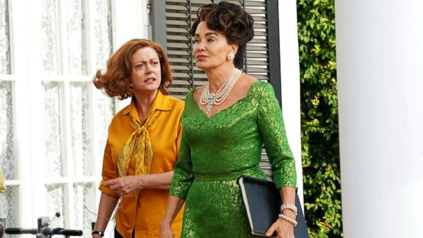 PHOTO: Susan Sarandon, as Bette Davis, left, and Jessica Lange, as Joan Crawford, in a scene from the FX series,