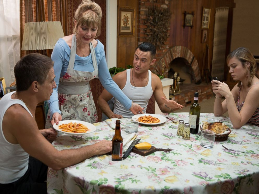 PHOTO: Tony Danza, Glenne Headly, Joseph Gordon-Levitt and Brie Larson star in Don Jon.