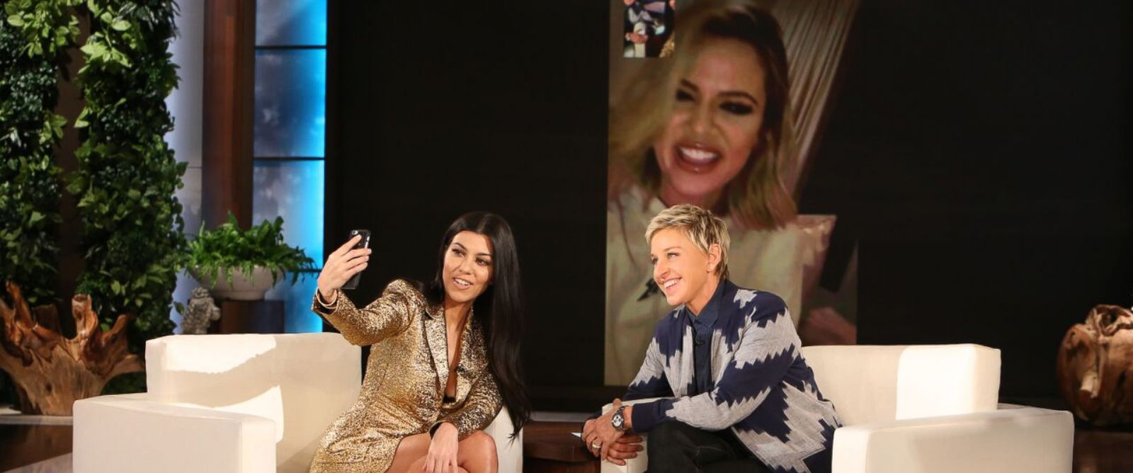 PHOTO: Kourtney Kardashian FaceTimed Khloe Kardashian on the Ellen DeGeneres Show, Jan.25, 2016.