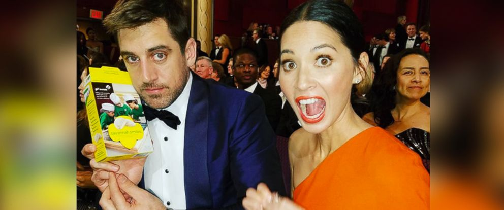 PHOTO: This photo of Olivia Munn eating Girl Scout Cookies at the Oscars was posted to her Instagram, Feb.28, 2016.