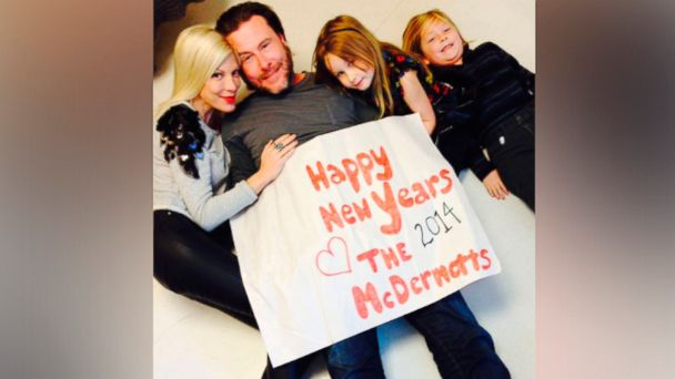 HT Tori Spelling1 ml 140102 16x9 608 Tori Spelling Cuddles with Husband Dean McDermott