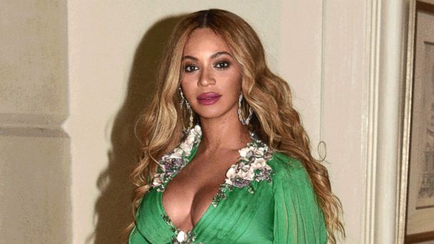 Beyonce and Blue Ivy attend the 'Beauty and the Beast' premiere