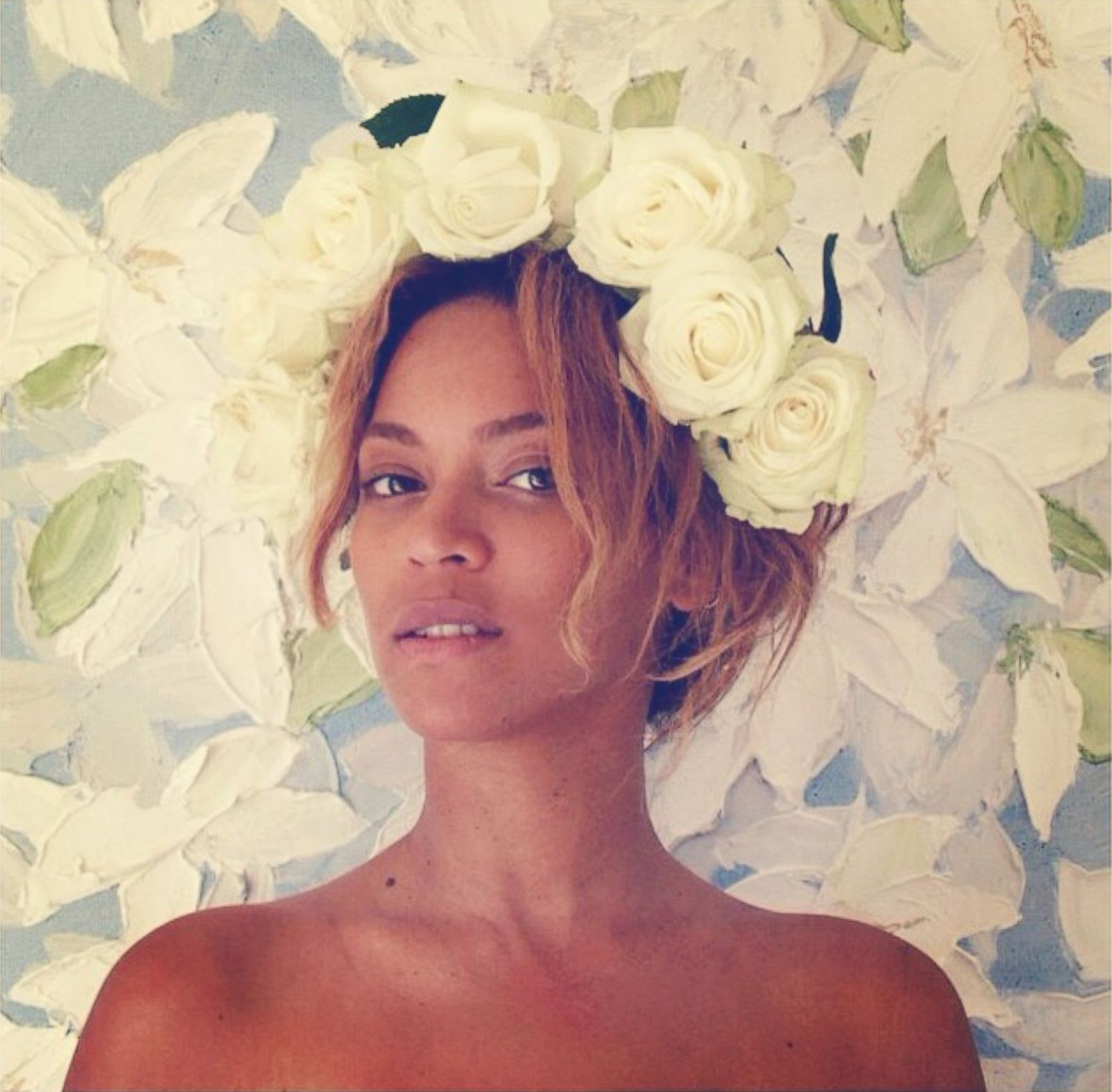 Beyonce Goes Bare With a Crown of Roses Picture | Beyonce ... Beyonce Instagram