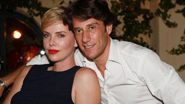 HT charlize francesco ml 130806 16x9 608 Charlize Theron Celebrates 38th Birthday in Rome With Wine, Cake