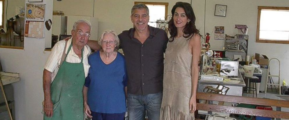 PHOTO: Ron Dickson, Judy Dickson, George Clooney and Amal Clooney are seen at Magee's Bakery in Maysville, Ky.