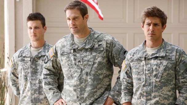 HT enlisted show jtm 140509 16x9 608 Enlisted Creator Kevin Biegel Talks Cancellation, Season 2 What ifs