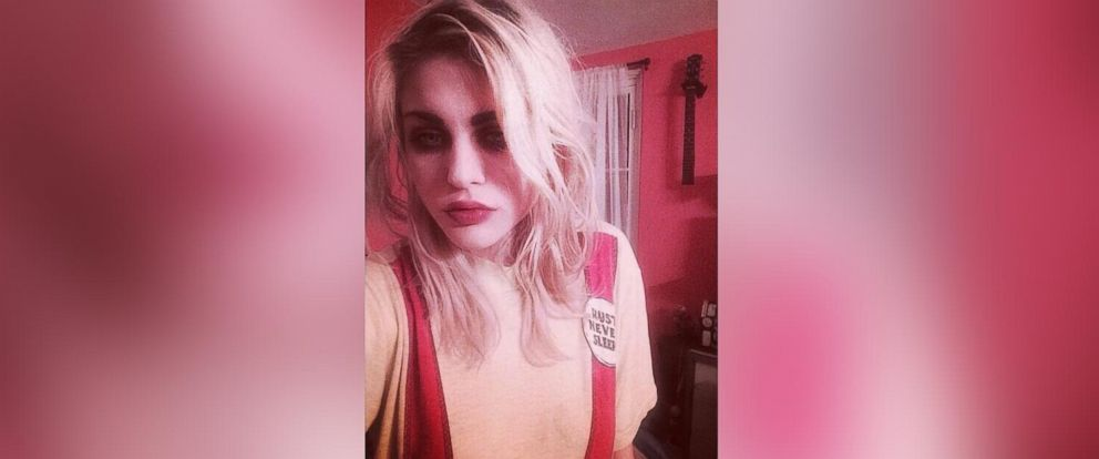 PHOTO: Francis Bean Cobain posted this selfie to Twitter, June 10, 2014.
