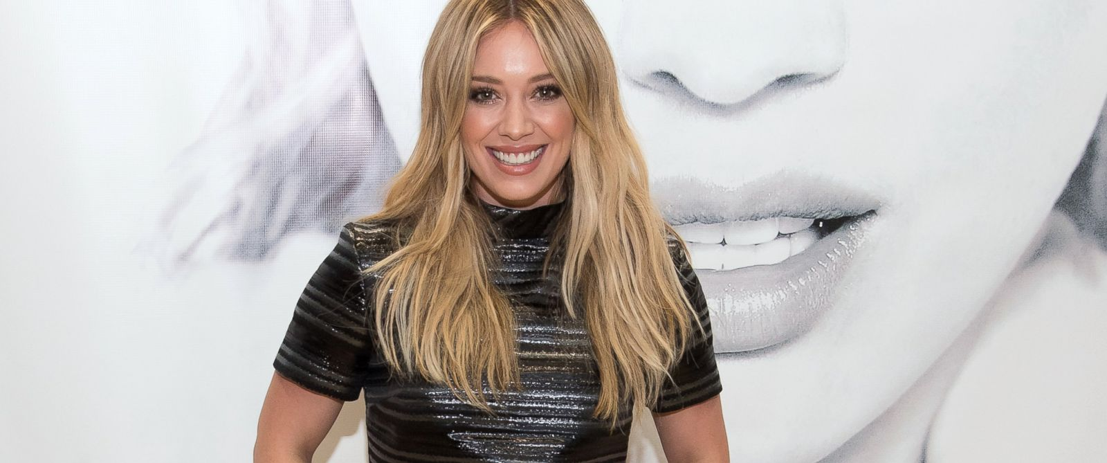 "PHOTO:Hilary Duff attends her ""Breathe In, Breathe Out"" CD signing ... Hilary Duff"