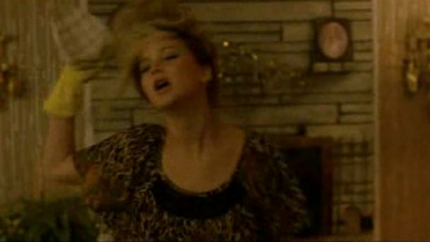 HT jennifer lawrence dance jtm 140320 16x9 608 Watch Jennifer Lawrence Go Wild in American Hustle Outtake