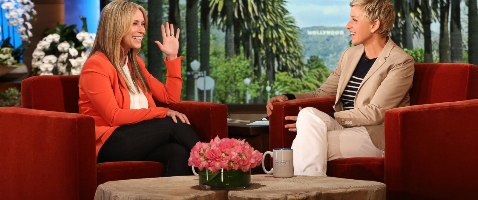 "PHOTO: Jennifer Love Hewitt makes an appearance on ""The Ellen DeGeneres Show,"" April 1, 2014."