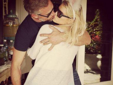 Jessica Simpson Smooches Her Husband