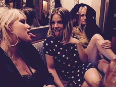 Jessica Simpson Gets Silly with Pals