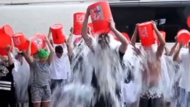 HT justin timberlake ice bucket jef 140812 16x9 608 Watch Gisele Bundchen, David Beckham, John Krasinski and Other Celebs Do the Ice Bucket Challenges