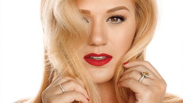 "PHOTO: Kelly Clarkson, ""Wrapped In Red"""