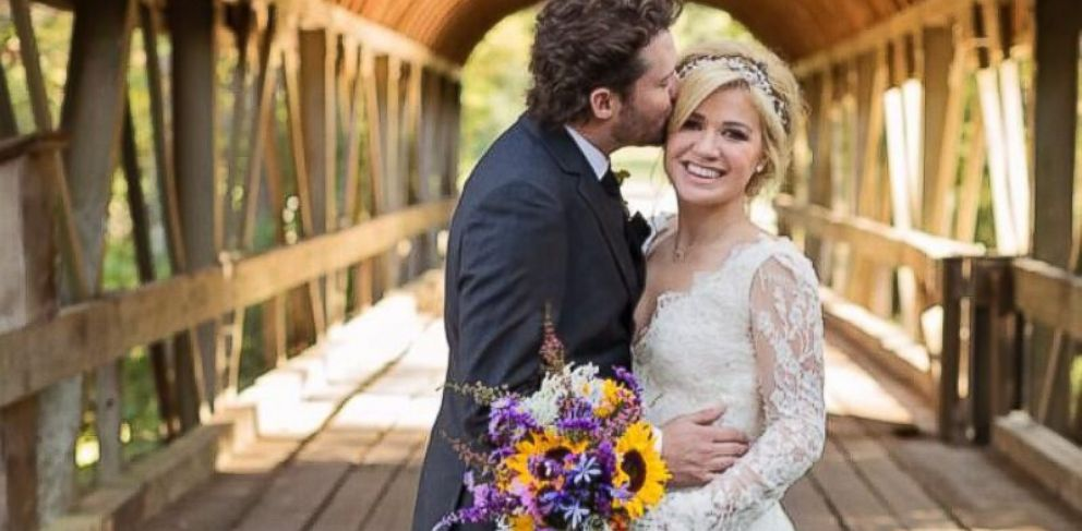 "PHOTO: Kelly Clarkson tweeted, ""Im officially Mrs. Blackstock :) We got married yesterday at Blackberry Farms in TN, the most beautiful place ever!"", Oct. 21, 2013."