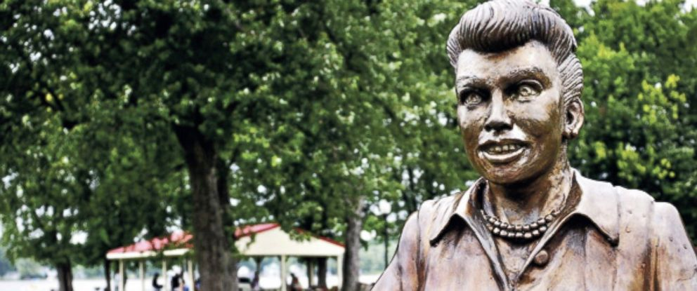PHOTO: Lucille Ball statue is pictured in Celoron, N.Y.