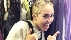 Miley Cyrus Gives a Thumbs Up for Charity