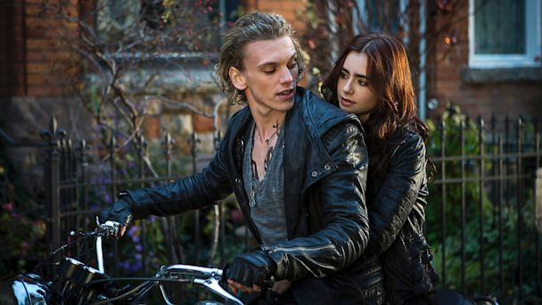 HT mortal instruments review lpl 130821 16x9 608 Movie Review: Is The Mortal Instruments: City of Bones The Next Twilight?