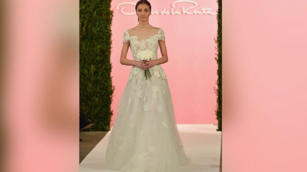 PHOTO: A model walks the runway at the Oscar De La Renta Spring 2015 Bridal collection show