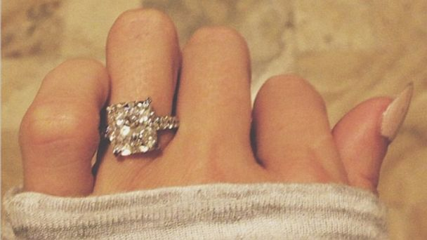 HT paulina gretzsky lpl 130819 16x9 608 Hockey Legend Gretzkys Daughter Engaged to Golf Great: See The Ring