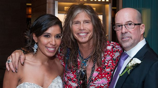 HT ramos tyler 1 tk 130713 16x9 608 Steven Tyler Walks Into DC Wedding