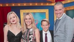 Reese Witherspoon Hits Sing Premiere With Her Family