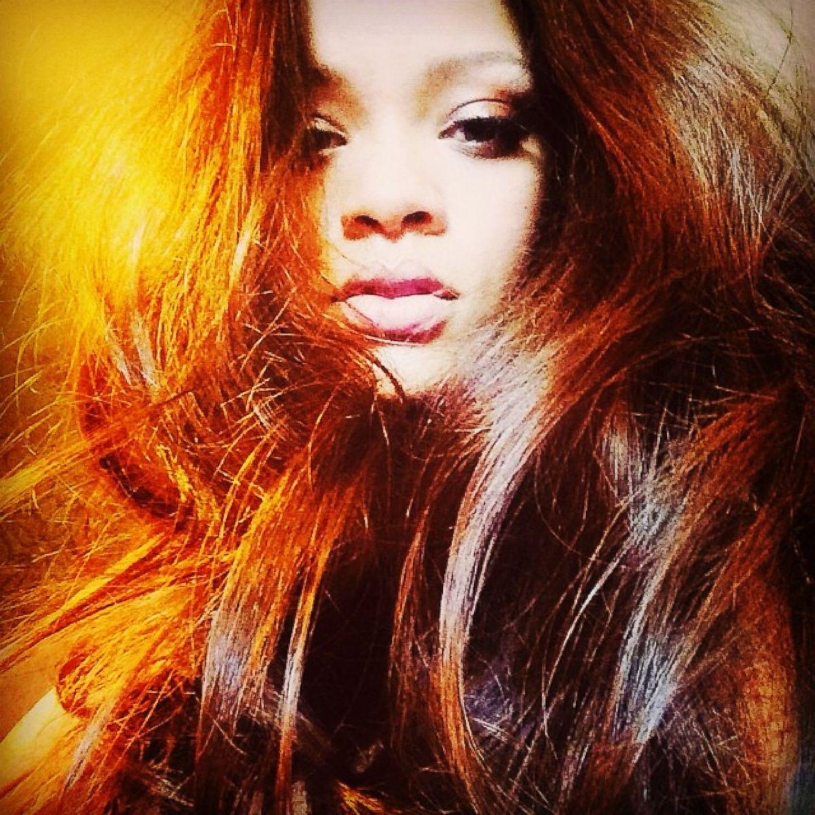 Hair rihanna red