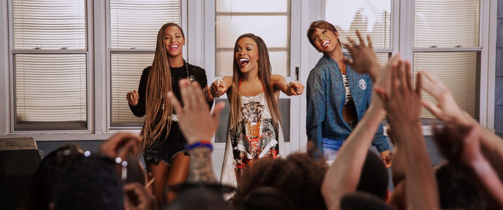 "PHOTO: Beyonce and Kelly Rowland have joined Destinys Child pal Michelle Williams in the music video for her song ""Say Yes."""