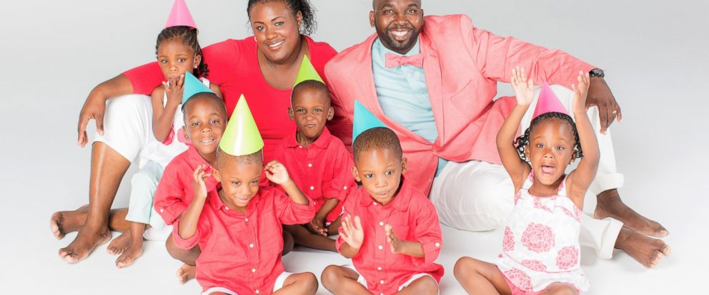 """PHOTO: Mia and Rozonno (Ro) McGhee with the McGhee sextuplets from """"Six Little McGhees"""" celebrate their 4th birthday."""