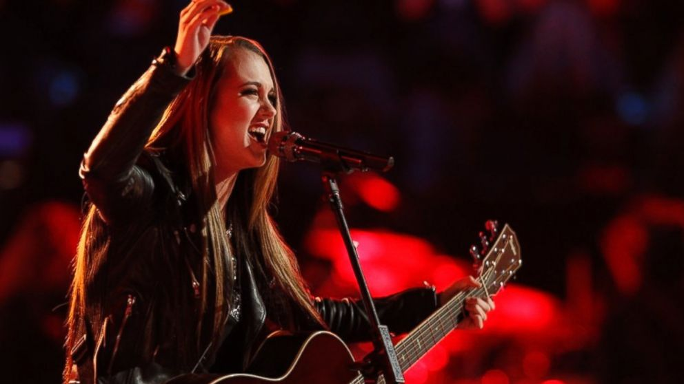 "PHOTO: Bria Kelly performs on ""The Voice,"" April 21, 2014."