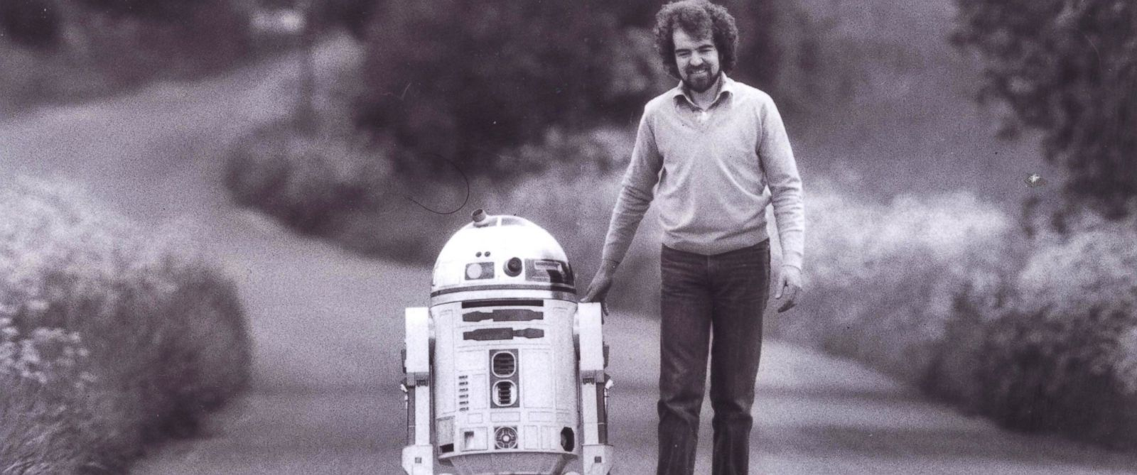PHOTO: Tony Dyson is pictured with the robot he created, R2-D2, in this undated file photo.