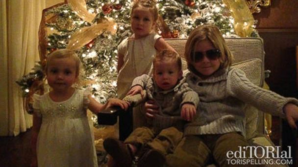 HT tori spelling family xmas jtm 131227 16x9 608 Tori Spelling Blogs About Beautiful Family Christmas
