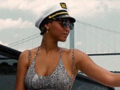 Beyonce and Blue Ivy Wear Matching Swimsuits on a Boat