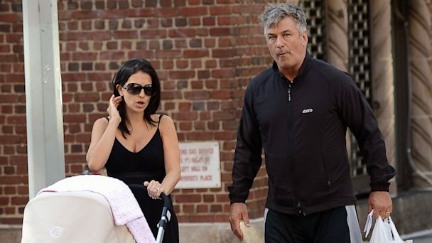 INF alec hilaria baldwin 2 dm 13086 16x9 608 Alec and Hilaria Baldwin Take Baby Carmen for Walk