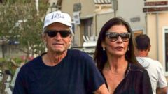 Catherine Zeta-Jones and Michael Douglas Walk Hand-in-Hand in Saint-Tropez