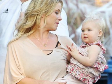 PHOTO: Christina Applegate gets a surprise visit on the set from her daughter Sadie Grace