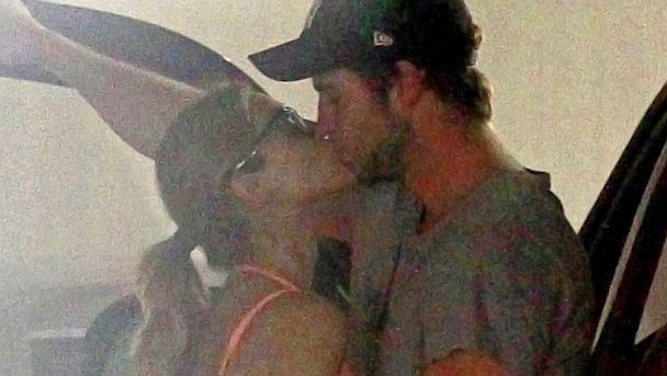 PHOTO: Liam Hemsworth is seen kissing new flame Eiza Gonzalez