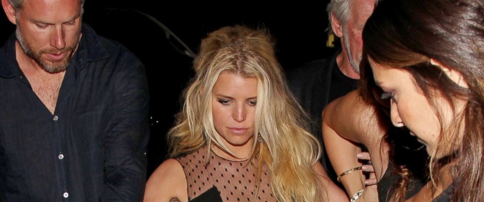 PHOTO: Jessica Simpson leaves Warwick nightclub with fiance Eric Johnson and friends on June 8, 2014 in Hollywood, Calif.