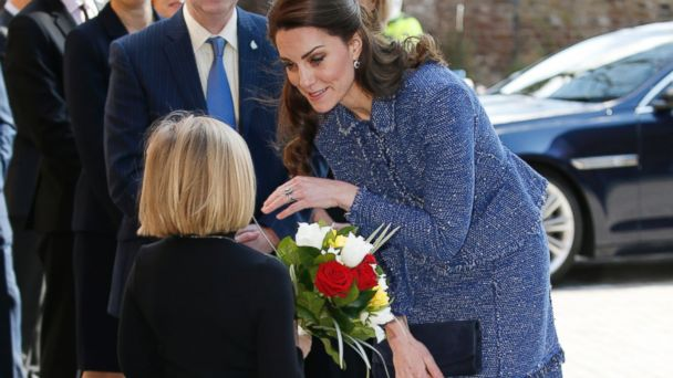 PHOTO: Kate Middleton, The Duchess of Cambridge, arrives at Ronald McDonald House Evelina London to officially mark the opening of their purpose-built