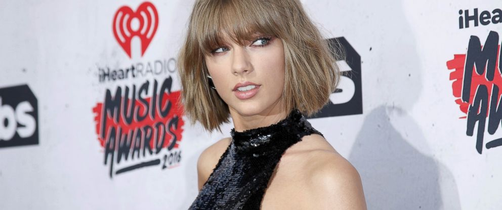 PHOTO: Singer Taylor Swift poses at the 2016 iHeartRadio Music Awards in Inglewood, Calif., April 3, 2016.