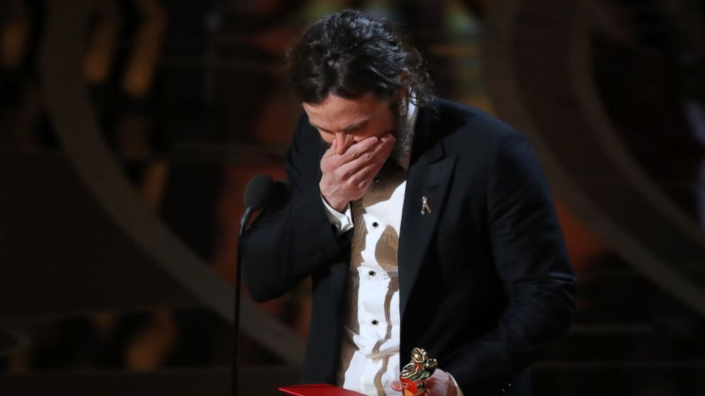 Best actor winner Casey Affleck pays tribute to Denzel Washington