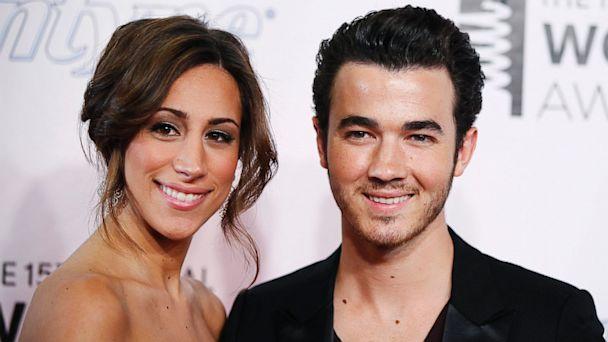 RT kevin jonas danielle dm 130830 16x9 608 Kevin And Danielle Jonas: Were Having a Girl!