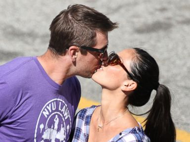 Olivia Munn and Aaron Rodgers Kiss on Set of 'Newsroom'