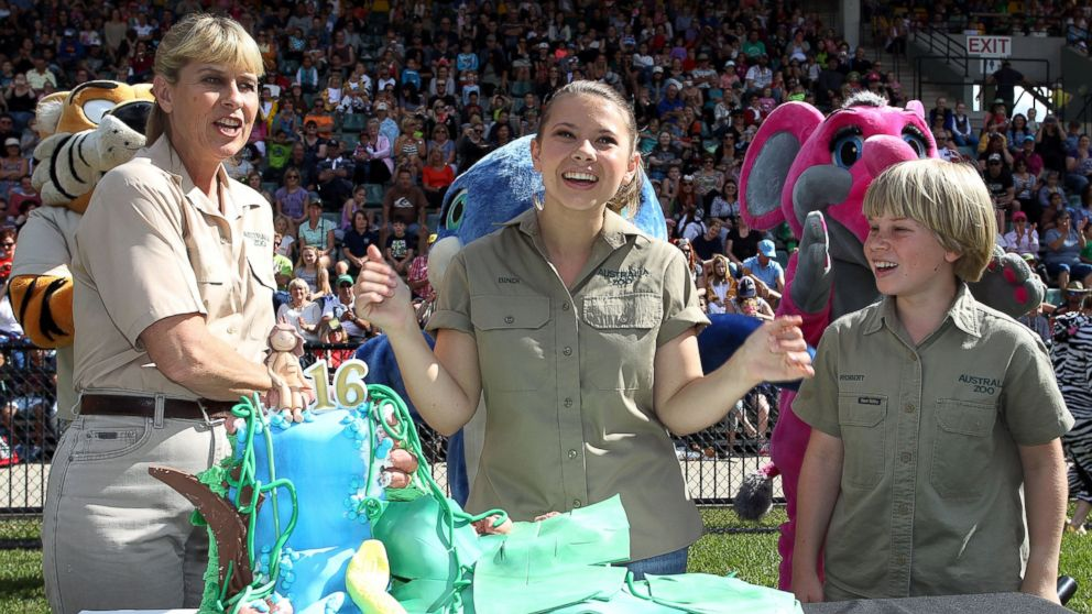 PHOTO: Bindi Irwin celebrates her 16th birthday with her mother Terri and brother Robert in front of 2,000 guests at Australia Zoo in Queensland, Australia on July 24, 2014.
