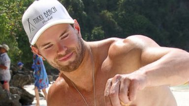 Whoa! Kellan Lutz Flexes in Thailand
