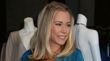 Pregnant Kendra Wilkinson Looks Ready to Pop!